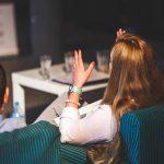 sikap memilih tema dan pendapat dalam blog